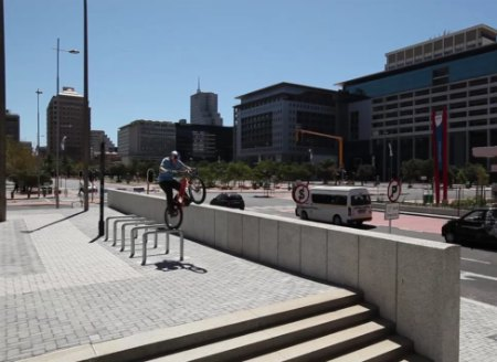 Video: See Cape Town w/ Eyes of The World's Best Bike Rider