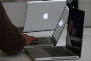 Apple Metal MacBook