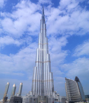 Burj Dubai skyscraper,  the world's tallest building, to Open on Monday